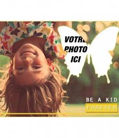 Carte postale avec une fille et un beau message de papillon