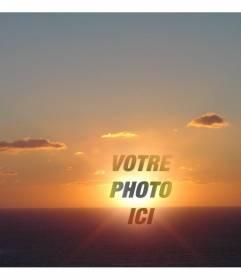 """Photomontage comme un collage de mettre un visage ou l""""assiette autour du point où le soleil se couche dans un paysage côtier"""