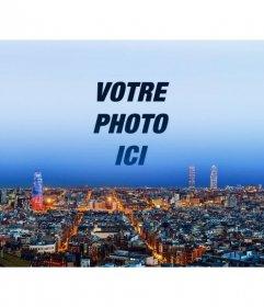 Collage avec la ville de Barcelone pour mettre une photo dans le ciel et personnaliser avec du texte