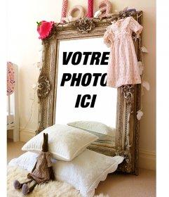 Photomontage avec la réflexion sur un miroir dans la chambre dune jeune fille
