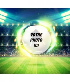Mettez votre photo dans un cadre dun terrain de football et une balle en arrière-plan