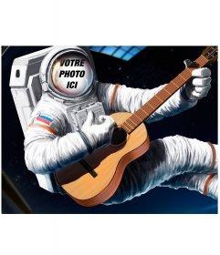 Photomontage de mettre votre visage sur un astronaute avec une guitare
