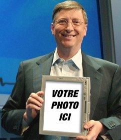 Montage photo pour aller sur une tablette qui tient Bill Gates