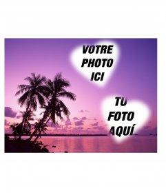 Carte où vous pouvez mettre deux photos en forme de cœur avec un paysage idyllique de la mer et les palmiers dans les tons de lilas