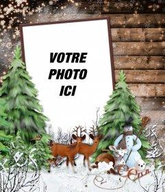 Cadre photo avec un paysage dhiver neigeux, un cerf et un bonhomme de neige