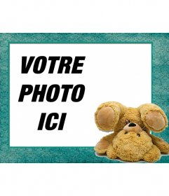Cadre photo numérique avec un ours en peluche faisant une roue sur votre photo