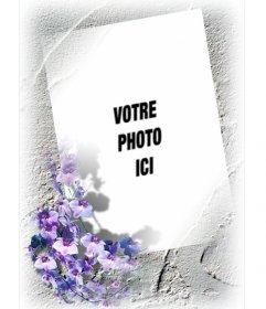 Cadre pour une photo avec bordure de fleurs violettes