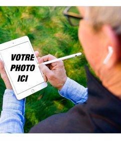 Meme de Tim Cook avec ses airpods dessinant sur un ipad