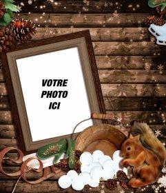 """Photomontage de l""""hiver avec un cadre photo en bois décorée avec un traîneau, un écureuil et plusieurs cônes"""
