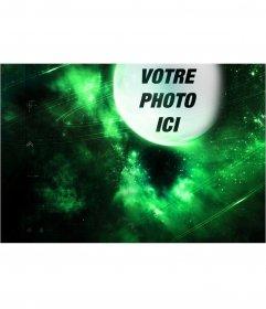 Photomontage avec une planète verte