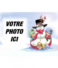 Carte de Noël avec bonhomme de neige et de fond de neige