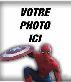Spider-Man avec le bouclier de Captain America pour mettre votre photo