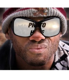 Photomontage to put your photo in the reflection of a pair of sunglasses