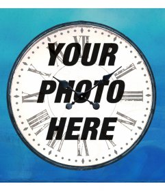 Online photo frame in the form of an analog clock